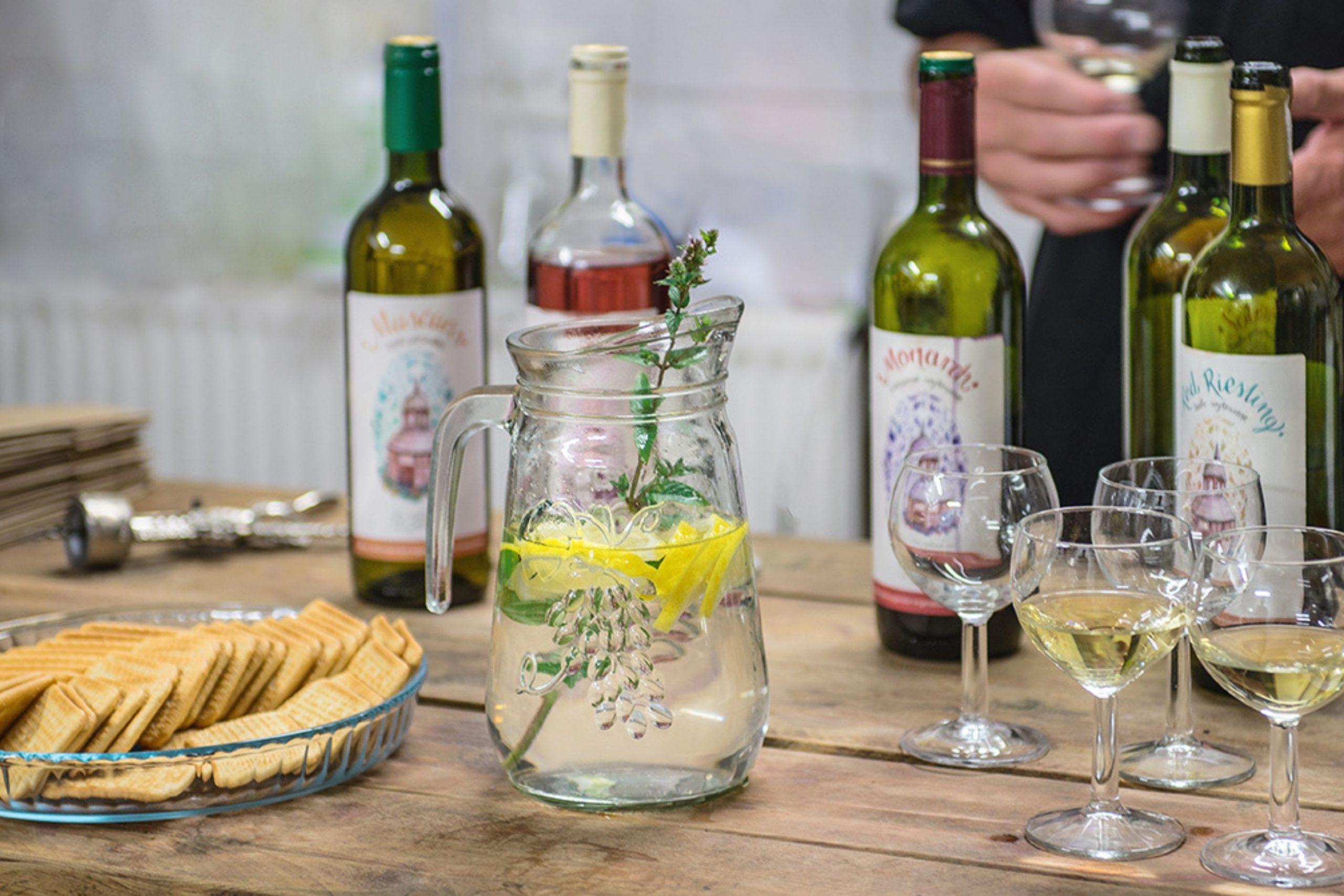 Degustacja wina w zielonogórskiej winnicy Julia